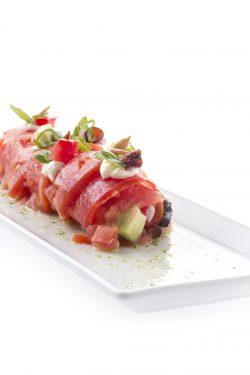 Plato3_Canelón de tomate _cor de bou_ con pulpo y aguacate