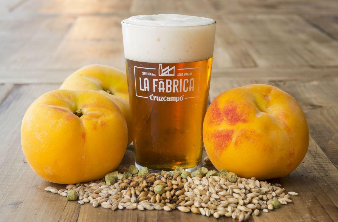 Foto_Cruzcampo Fruity Ale con Melocotón_cerveza temporada_verano