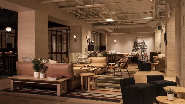 Bar Moxy Hotel NYC